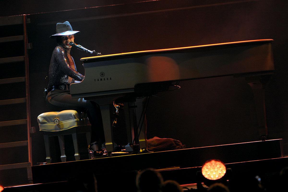 Alicia Keys with Miguel